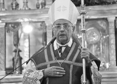 """Biskup Tadeusz Pieronek nie żyje. """"Szukał ludzi, którzy są daleko od Kościoła"""""""