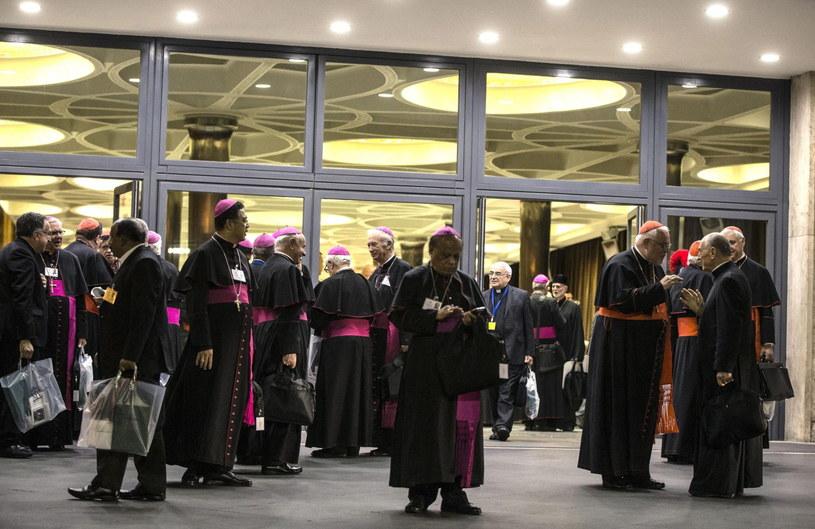 Biskupi po zakończeniu obrad /EPA/ANGELO CARCONI /PAP/EPA