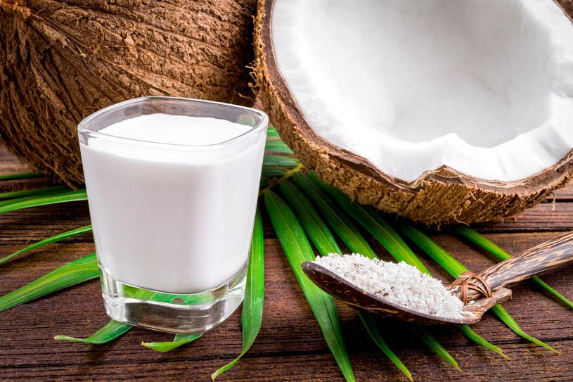 Bitą śmietaną możesz ubić na przykład z mleka kokosowego /©123RF/PICSEL