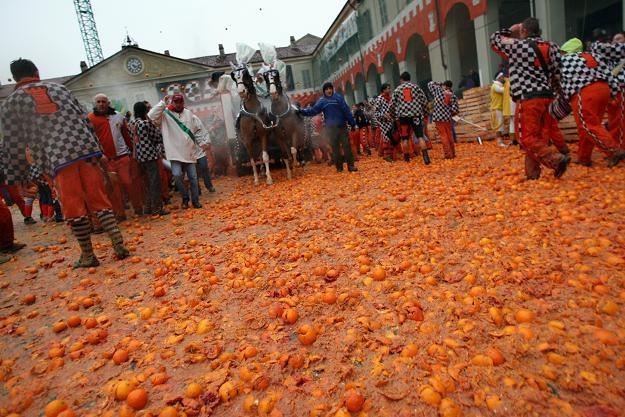 Bitwa na pomarańcze w mieście Ivrea /AFP