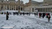 Bitwa na śnieżki na placu św. Piotra w Watykanie