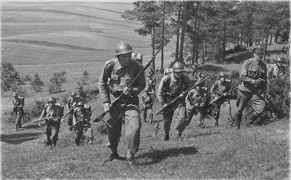 Wojsko polskie w drodze na pozycje, 1920 r.