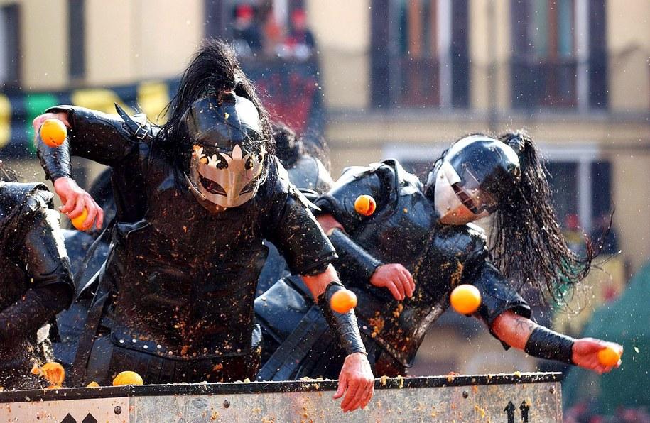 Bitwy na pomarańcze potrwają do końca karnawału / EMMEVI PHOTO    /PAP/EPA