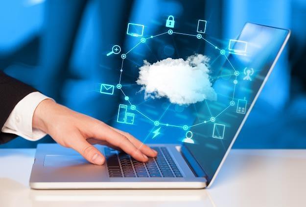 Biznes w cyfrowej chmurze to już konieczność dla wielu firm /©123RF/PICSEL