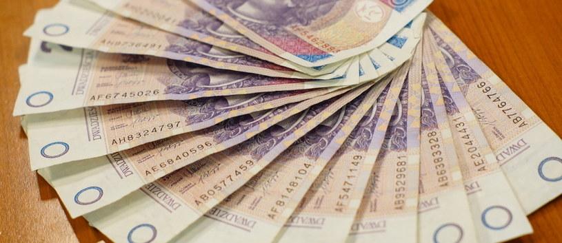 Biznesmen z Leżajska miał wydać na łapówki ponad mln zł /RMF FM
