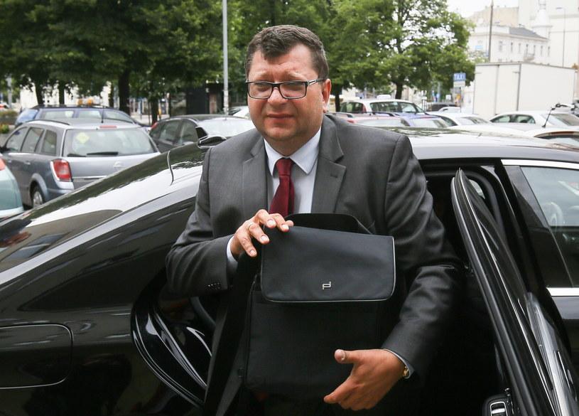 Biznesmen Zbigniew Stonoga w drodze do siedziby prokuratury /Paweł Supernak /PAP