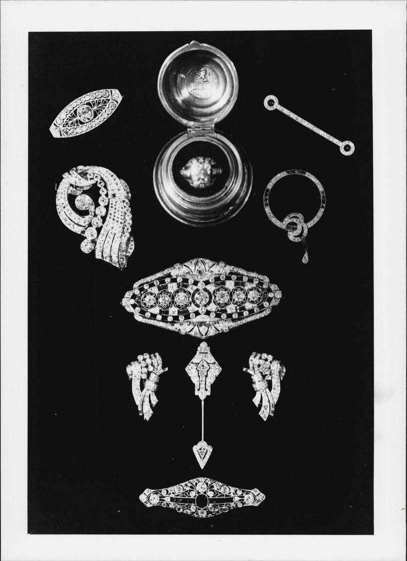 Biżuteria międzywojenna była dopracowana do perfekcji. Jubilerzy często realizowali indywidualne zamówienia /Getty Images