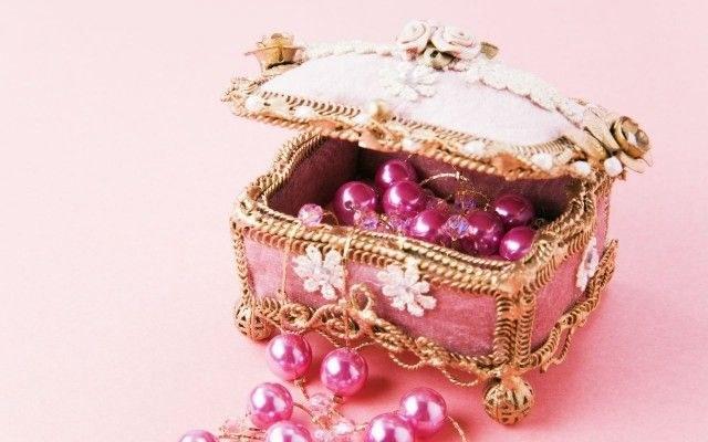 biżuteria pakowanie /© Photogenica