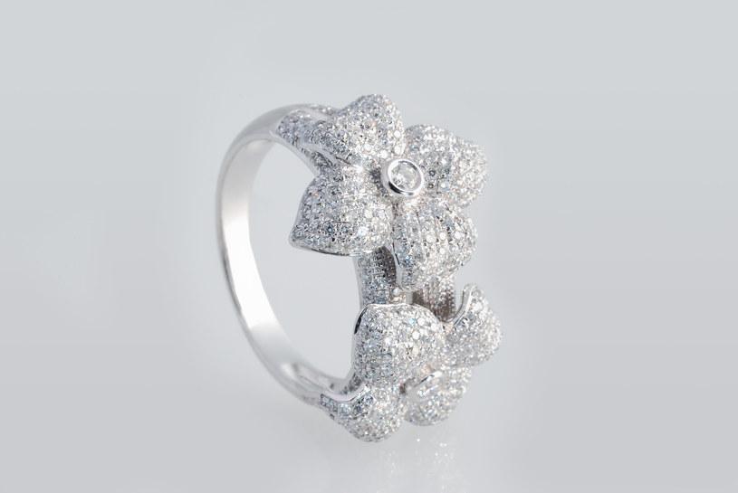 Biżuteria - prezent na lata dla twojej córki /materiał zewnętrzny