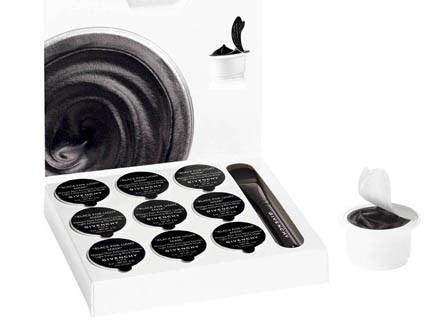 Black for light mask, Givenchy /materiały prasowe