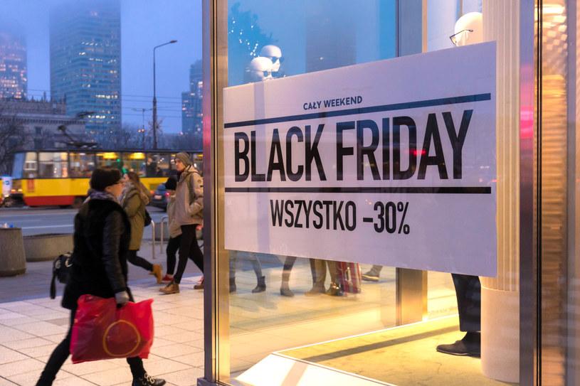 Black Friday to okres ciekawych przecen i promocji, ale trzeba uważać na internetowe oszustwa. fot: Arkadiusz Ziółek/ East News /East News