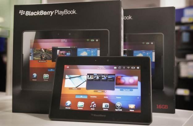 BlackBerry - kupujesz dwa, a trzeciego dostajesz za darmo /AFP