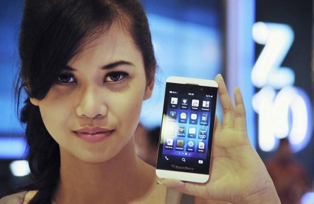 BlackBerry Z10 - kanadyjski smartfon dotarł do Polski /AFP