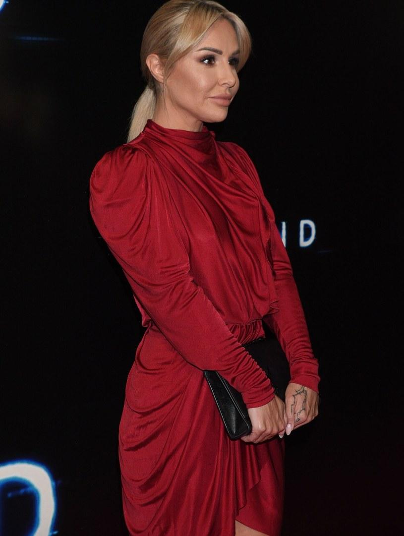 Blanka Lipińska na premierze filmu skupiła na sobie uwagę zebranych /Tricolors /East News