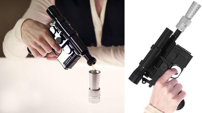 Blaster Hana Solo służy nie tylko do strzelania w kierunku szturmowców... /materiały prasowe