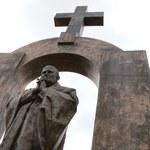 Błaszczak: Deklaracja premier Szydło w sprawie pomnika Jana Pawła II jest jasna i zdecydowana