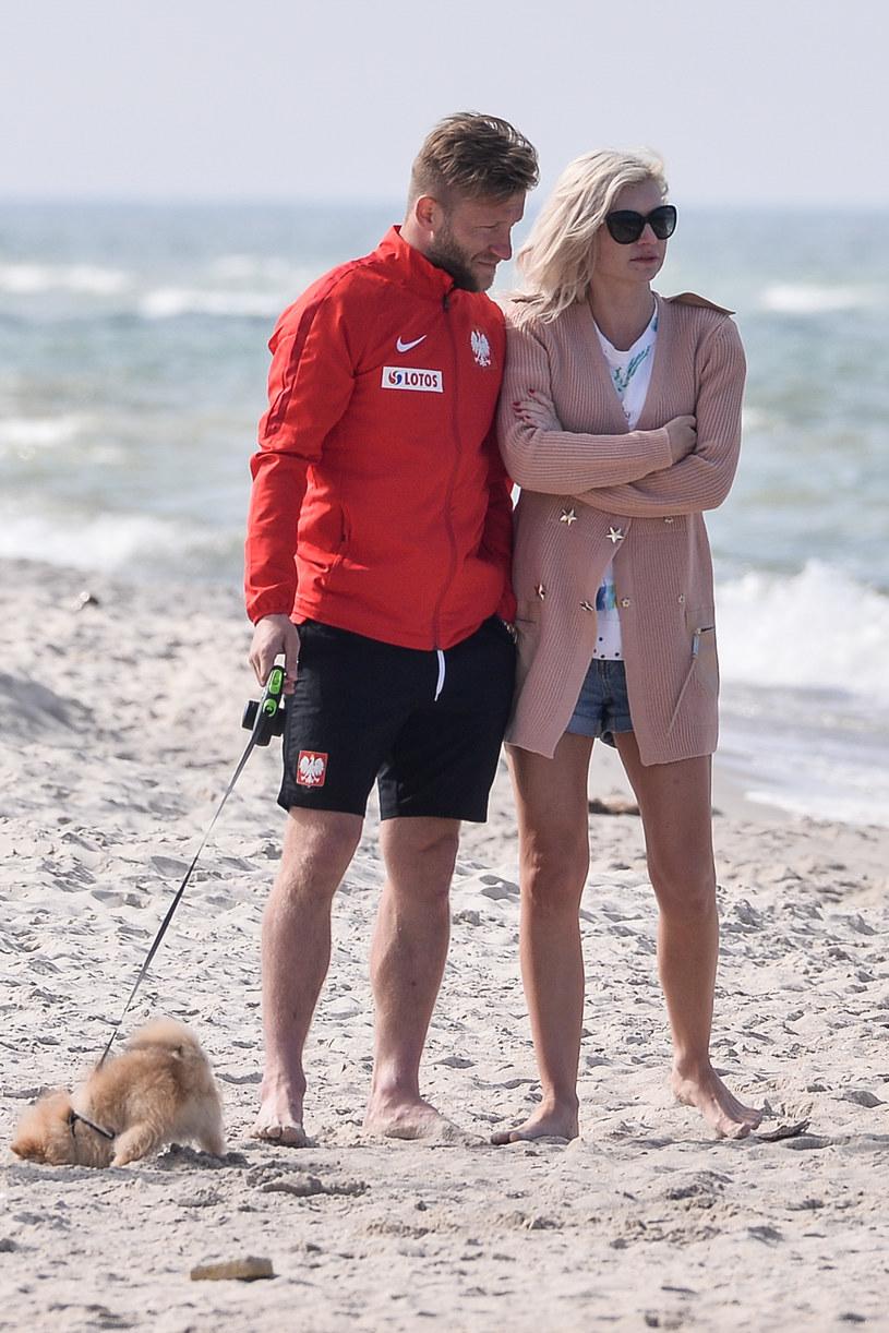 Błaszczykowski z żoną na plaży / Łukasz Dejnarowicz  /Agencja FORUM