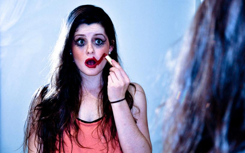 błędy makijażowe /© Photogenica
