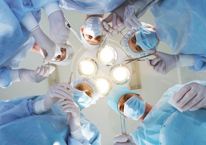 Błędy medyczne są trzecią najczęstszą przyczyną śmierci Amerykanów /123RF/PICSEL