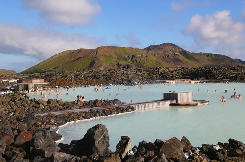 Błękitna Laguna to geotermalne uzdrowisko znajdujące się na półwyspie Reykjanes /123RF/PICSEL