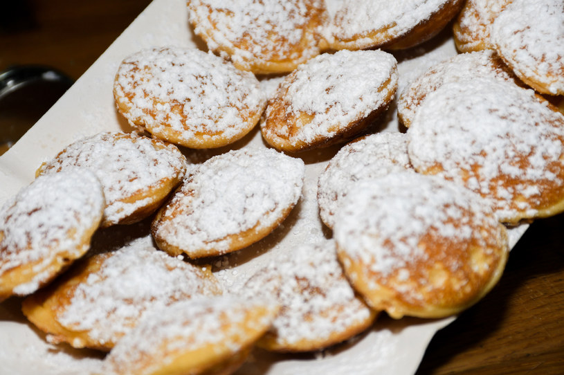 Bliny z cukrem pudrem, najlepsze wprost z patelni /123RF/PICSEL