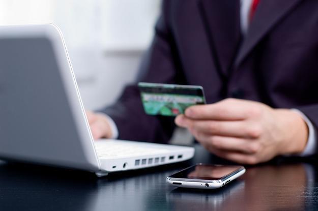 Bliski jest przełom na rynku kart płatniczych w Polsce /© Panthermedia