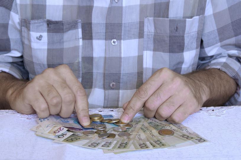 Bliski koniec groszowych emerytur? /ZOFIA I MAREK BAZAK  /East News