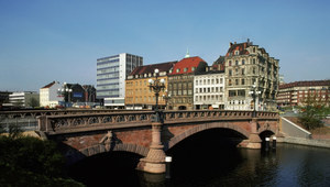 Blisko 14 procent Polaków rozważa wyjazd do pracy za granicę