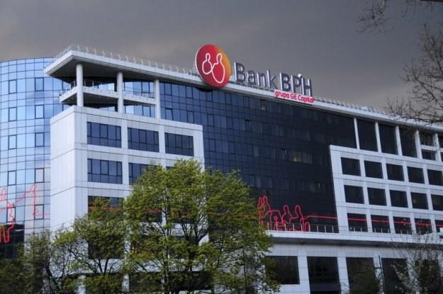 Blisko połowa oszczędności przypada na nisko oprocentowane lokaty bankowe. Fot. Włodzimierz Wasyluk /Reporter