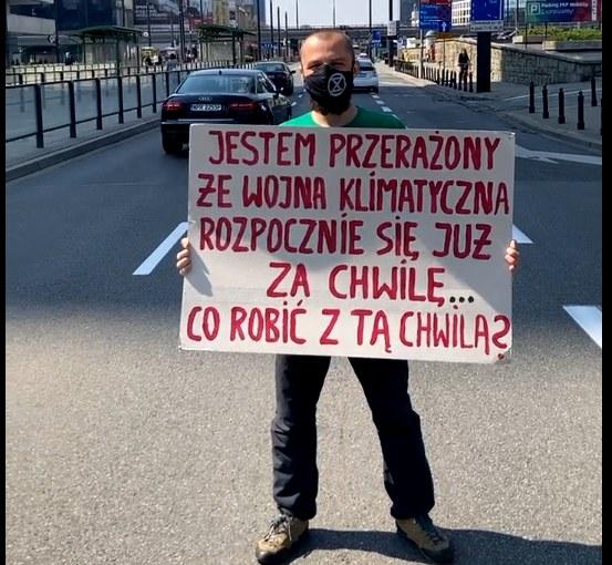 Blokada al. Jerozolimskich w Warszawie, na wysokości Dworca Centralnego. /Extinction Rebellion