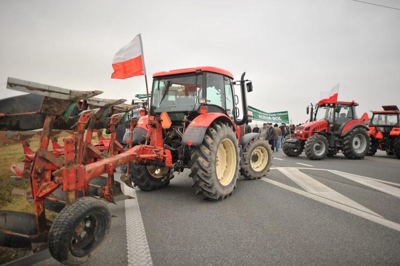 Blokada drogi krajowej numer 2 przez rolników /Przemysław Piątkowski /PAP