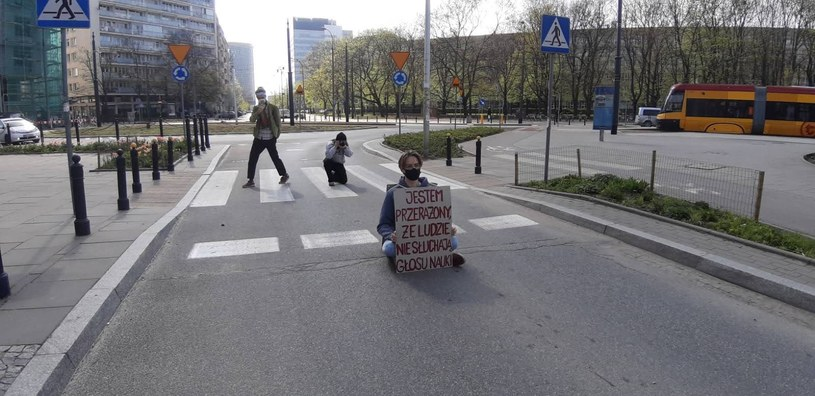 Blokada na pl. Politechniki w Warszawie. /Extinction Rebellion