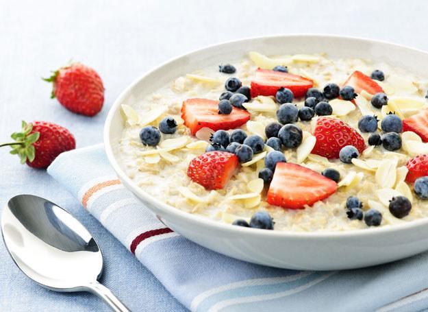 Błonnik pokarmowy to jeden ze składników diety /123RF/PICSEL