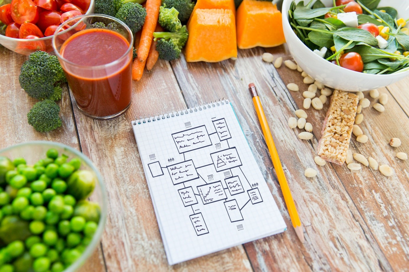 Błonnik to jeden z najważniejszych elementów diety regulującej pracę jelit /123RF/PICSEL