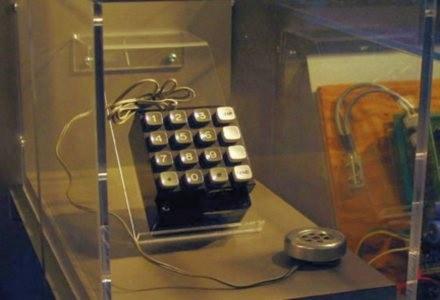 Blue box, który potrafił oszukiwać centrale telefoniczne ? pierwotnie własność Steve?a Wozniaka. /PC Format