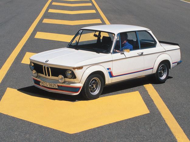 BMW 2002 Turbo - pierwsze popularne auto osobowe z turbo. 2.0 - 170 KM. /BMW
