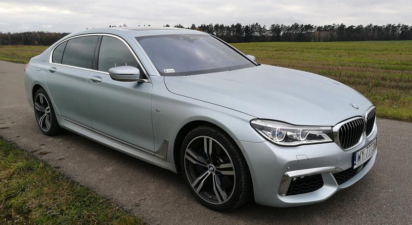BMW 750 Li mierzy ponad 5-metrów długości /INTERIA.PL