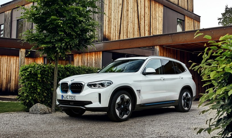 BMW iX3 /
