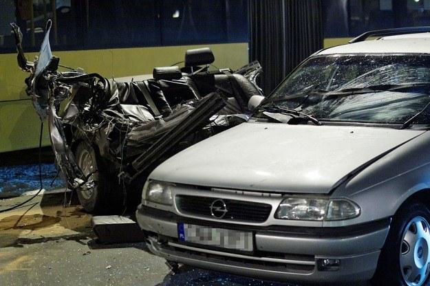 Zaawansowane Tragedia w Bydgoszczy. BMW rozpadło się na dwie części RS09