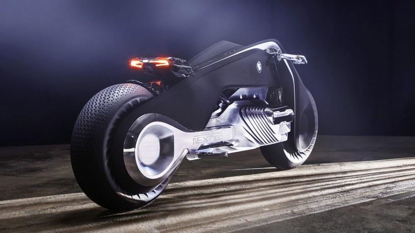 BMW Vision Next 100 /