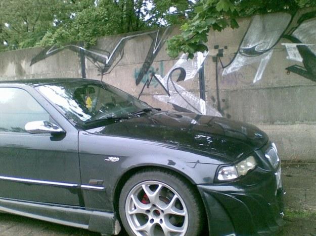 BMW z przodem od spychacza.