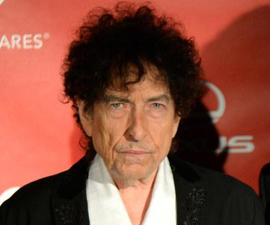 Bob Dylan molestował 12-latkę? Autor jego biografii przerwał milczenie