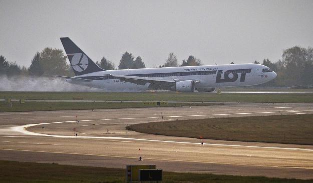 Boeing 767 wylądował awaryjnie na warszawskim lotnisku Chopina 1 listopada /AFP