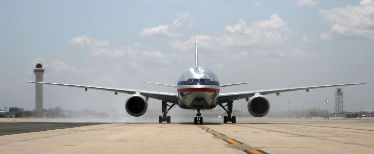 Boeing 777 linii American Airlines /AFP