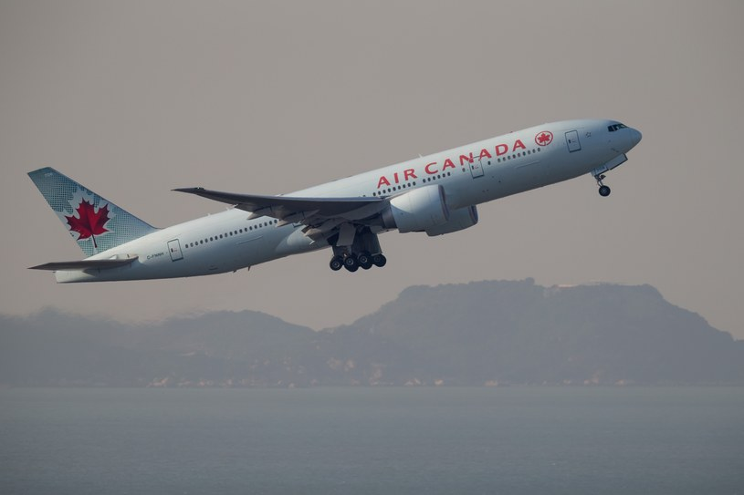 Boeing 777 linii lotniczych Air Canada /Aviation-images /East News