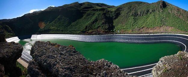 Bogate kraje maja duże zasoby wody /AFP