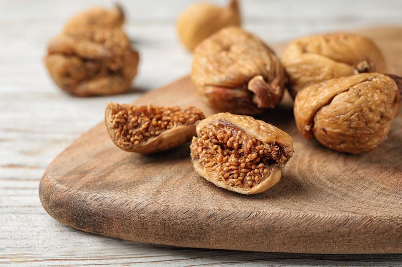 Bogate w błonnik figi sprzyjają zdrowiu jelit /123RF/PICSEL