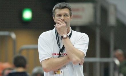 Bogdan Wenta myśli jak pokonać Niemców, a polscy kibice jak dostać się na finał Fot. Ł. Grochala /Agencja Przegląd Sportowy