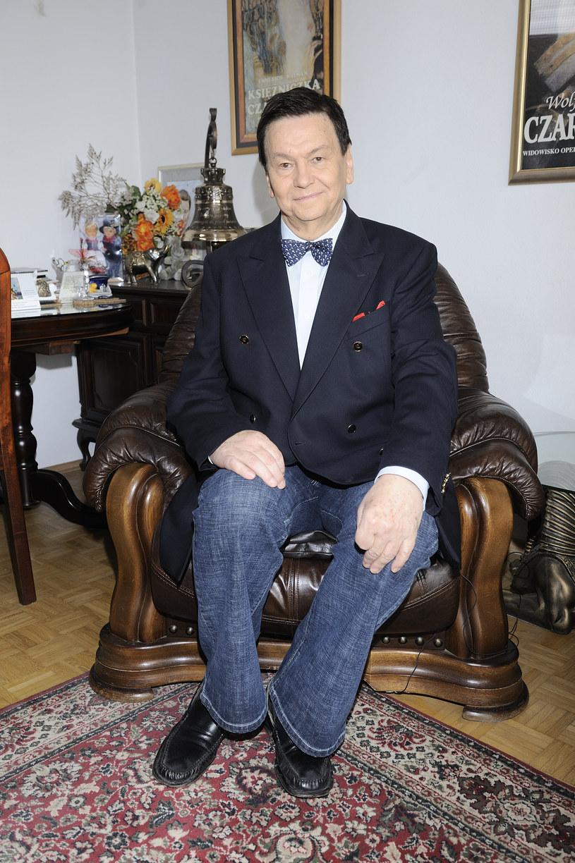 Bogusław Kaczyński w swoim mieszkaniu /MWMedia