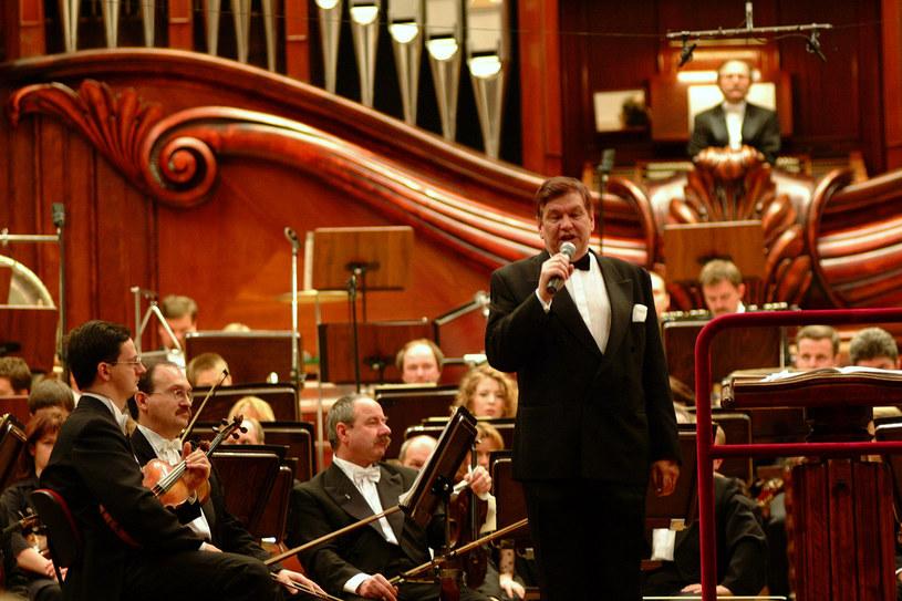 Bogusław Kaczyński zapowiada Koncert Sinfonia Varsovia (2002) /AKPA